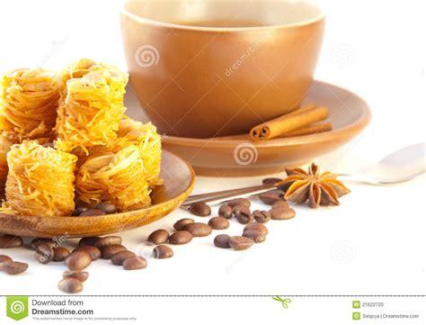 nachtisch kuchen t 252 rkischer nachtisch kuchen vom kaffee stockfoto bild