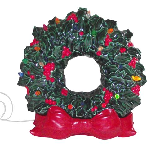 christmas ceramic wreath 2 pieces base has large red bow