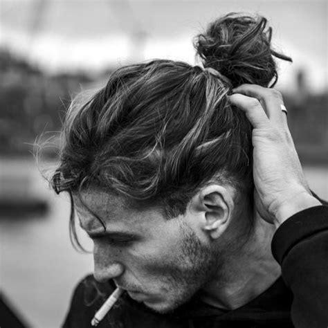 hairstyles w one hair tie 19 man bun styles men s hairstyles haircuts 2017