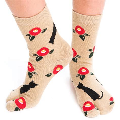 pattern for socks to wear with flip flops 1 pair v toe flip flop tabi socks black kitten pattern