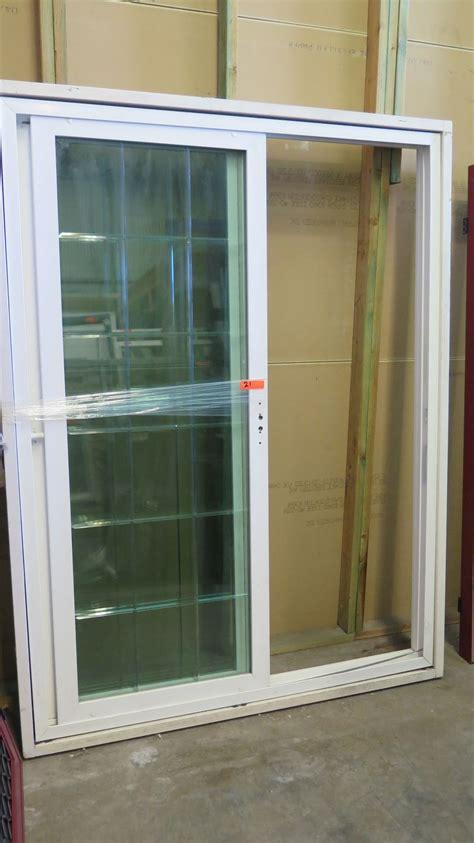 8 x 5 sliding doors patio sliding glass door 59 3 4 quot x 79 5 8 quot white vinyl