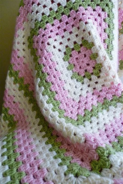 Free Square Baby Blanket Pattern by Free Pattern Easy Square Crochet Baby Blanket