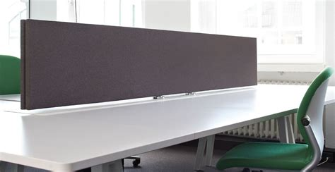 schreibtische mit trennwand schallminderung akustik trennwand f 252 r schreibtisch