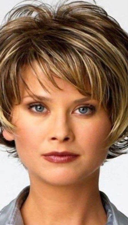 coiffure cheveux court femme 50 ans 2016