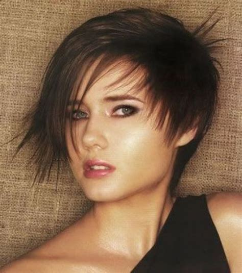 show me hairstyles for short to medium layered bobs short haircuts for thick hair