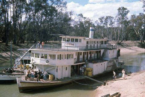 paddle boats swan hill ps gem and oscar en route to pioneer settlement swan