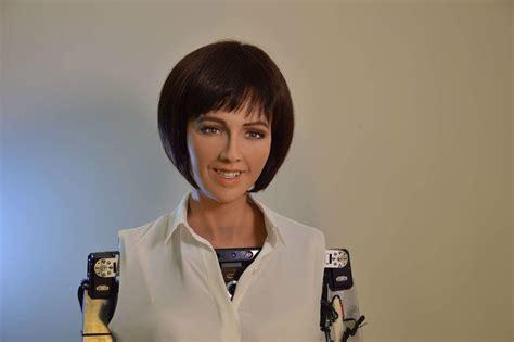 elon musk on sophia la citoyenne robot saoudienne sophia est en conflit avec