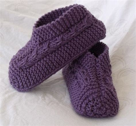 easy knit slipper pattern easy to knit bow slippers by janis frank craftsy
