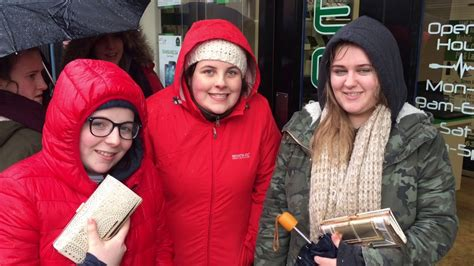 ed sheeran queue fans queue for ed sheeran tickets in enniskillen youtube