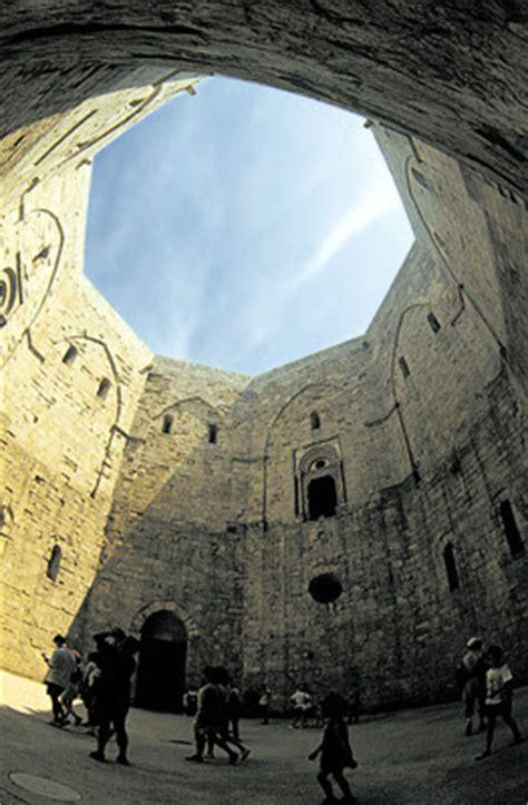 castel monte interno la favola della botte castel monte il misterioso