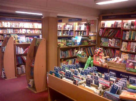 libreria inglesa en madrid whsmith librer 237 a inglesa en la rue de rivoli en par 237 s