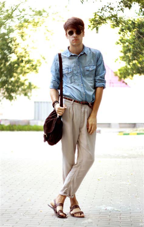 Tshirt Work Play Dongker Putih paduan atasan yang cocok dengan celana chino chino