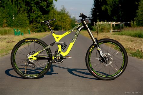 commencal supreme dh v3 commencal supreme dh v3 2014 denis smirnov 5832 s bike