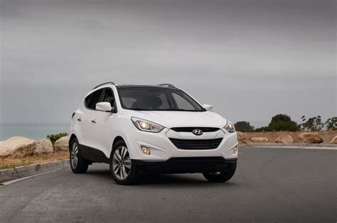 hyundai tucson 2014 red 2014 hyundai tucson limited fwd first test motor trend