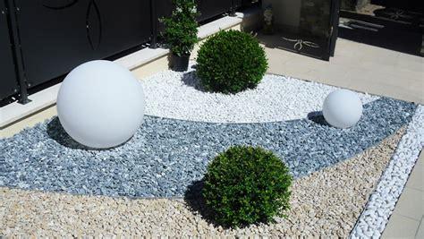 giardini con ciottoli aiuole con ciottoli bianchi