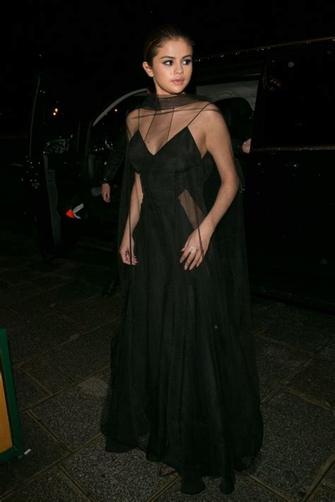 Longdress Cape Dian selena gomez braless pantyless 14 photos thefappening