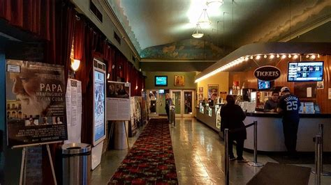 Kew Gardens Cinema Showtimes by Nyc S Coolest Theaters Am New York