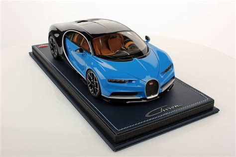 toy bugatti bugatti chiron 1 18 scale model comes with accurate