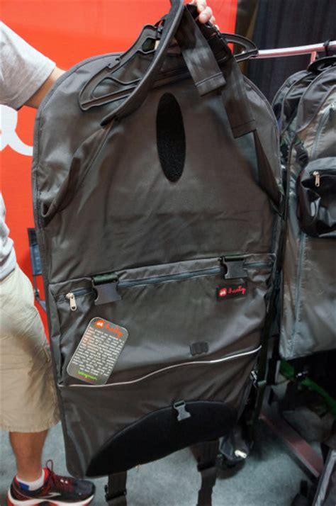 10 Amazing Messenger Bags by Ib13 The Amazing Henty Wingman Rollup Garment Messenger