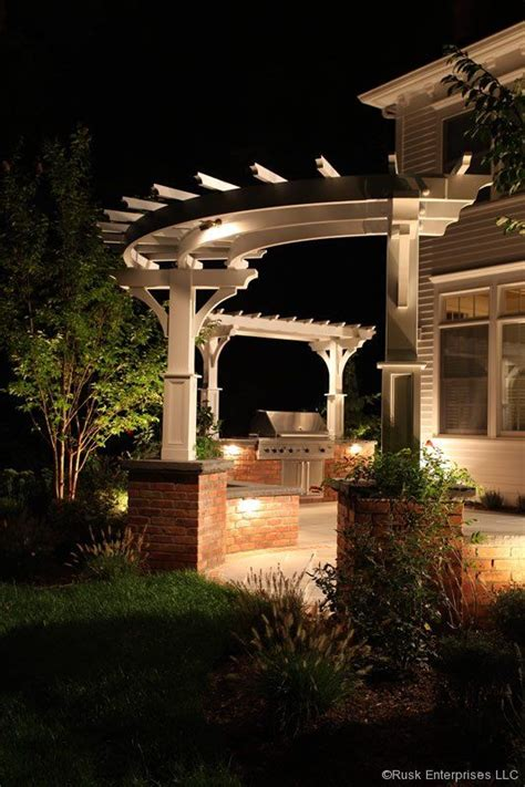 curved pergola with single posts shade ideas for