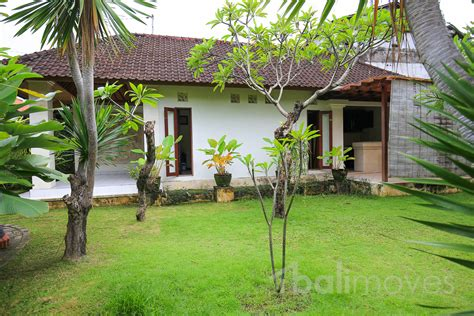 house for rent 1 bedroom one bedroom house with garden in beachside sanur s local