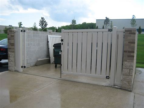 dumpster enclosure dumpster enclosures for businesses in the milwaukee wi area