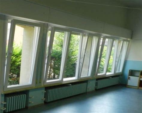 tende per vasistas la finestra basculante per la tua casa finestre a nastro