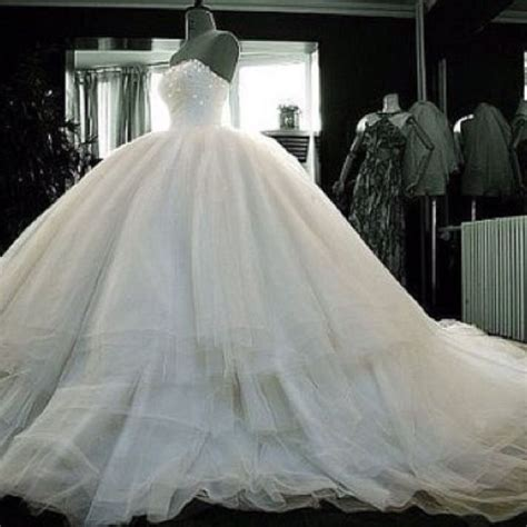 Poofy Wedding Dresses by Poofy Wedding Dress I Like The Top Part Princess