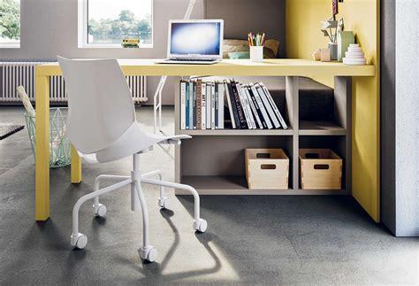 scrivania colorata scrivania colorata in laccato quadro clever