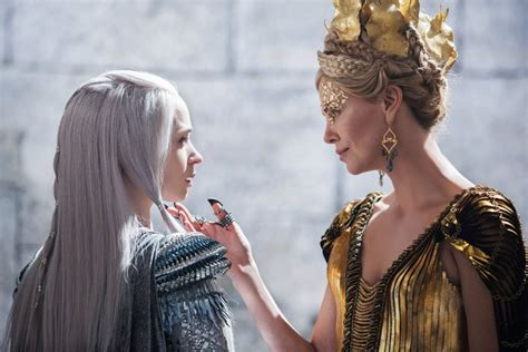 snow white and the huntsman hairstyle should your kids see the huntsman winter s war fandango