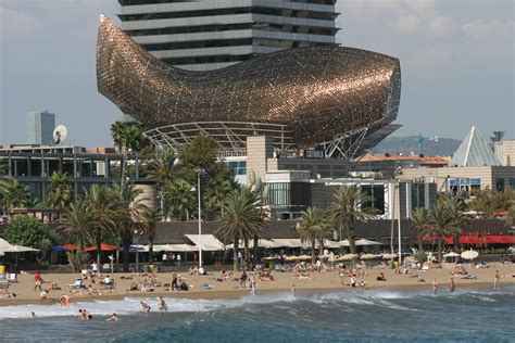 7 things to discover about contemporary architecture private modern architecture tour barcelona private tour