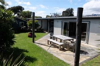 front room waikanae waikanae homes accommodation rentals baches and vacation homes for rent in nz book a