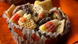Halloween chex 174 mix recipe from betty crocker