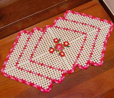 Tapetes Coloridos De Croche Jogos E Amostra Decoracao | tapete de barbante para sala e cozinha