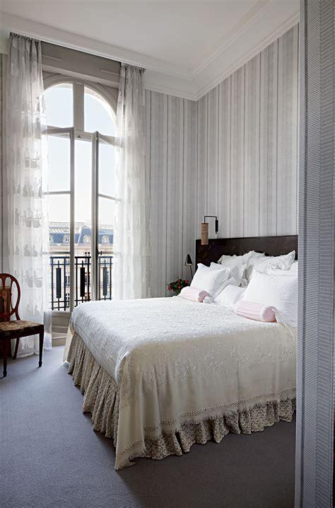 muriel brandolinis chic paris apartment galerie