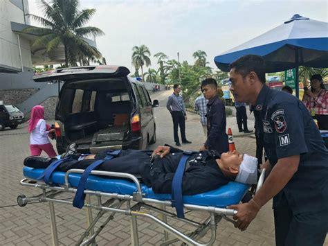 Alarm Tanda Bahaya heboh alarm tanda bahaya cibinong city mall ccm bogor berbunyi ratusan orang dievakuasi