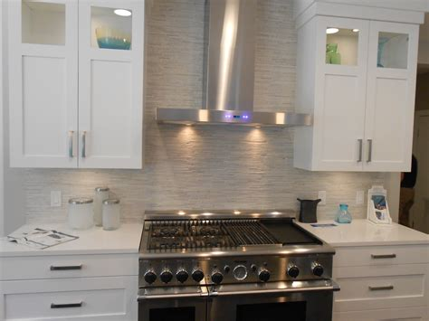 stacked veneer backsplash decoration ideas