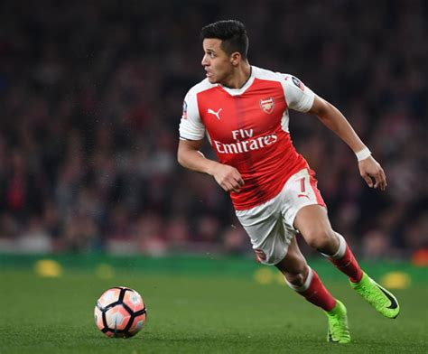 alexis sanchez daily star alexis sanchez arsenal target speaks out and hints at