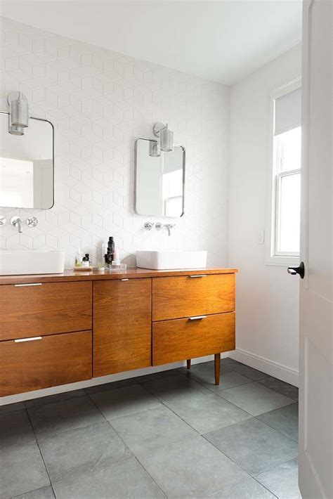 37 Amazing Mid Century Modern Bathrooms To Soak Your Senses Mid Century Modern Bathroom Tile