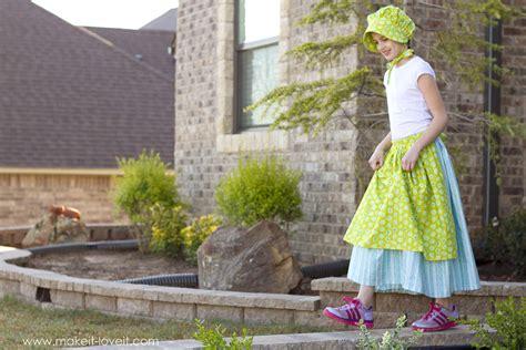simple and clever diy costumes prairie pointe a simple diy prairie or pioneer costume make it