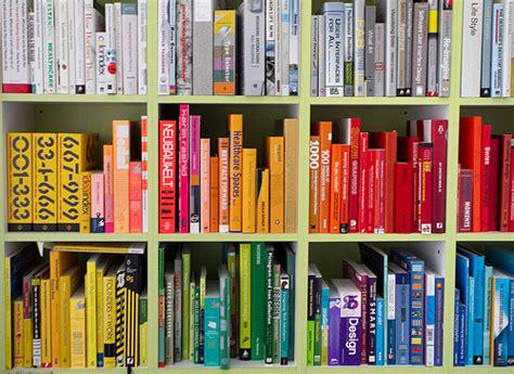 libro ernst colour library 4 formas de organizar una colecci 243 n de libros wikihow