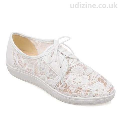 sweet s pointed toe flat shoes with lace splicing