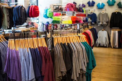 can american apparel save itself