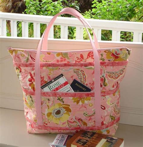How To Make A Quilt Tote Bag make a tote bag for travel quilting digest