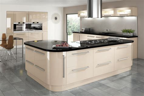 cream gloss kitchens ideas keld cream gloss cambridge kitchen doors