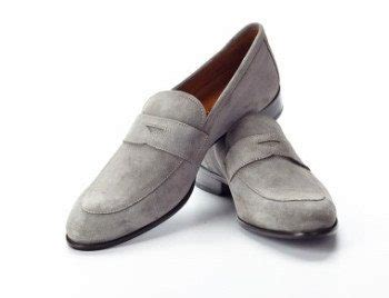 mens light grey dress shoes leverage the color gray in your interchangeable wardrobe