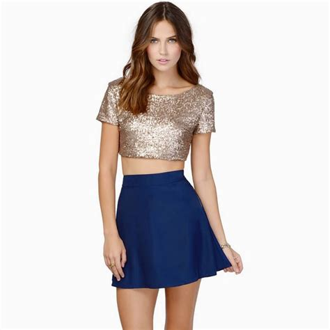 Style Ideas 50s Style Cropped Colllarless Jacket by Best 25 Gold Crop Top Ideas On Gold Top
