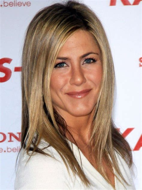 the base color of jennifer anistons hair color jennifer aniston dark hair color in 2016 amazing photo
