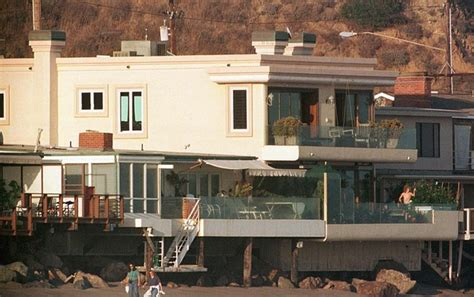 leonardo dicaprio s house leonardo dicaprio in beach homes zimbio