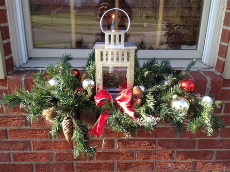 youtube how to decorate a christmas window box window box crafts window boxes and